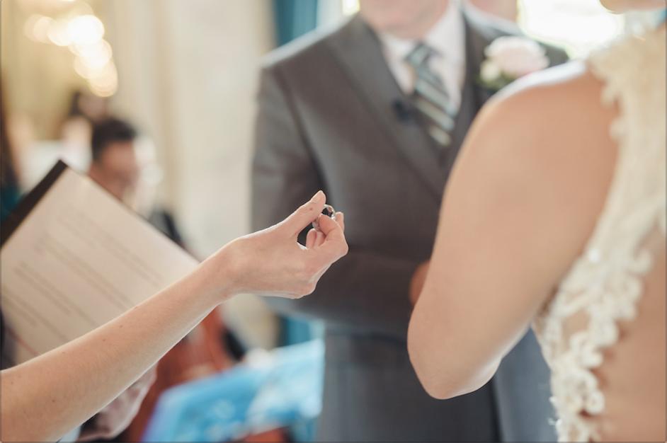 echange-des-alliances-ceremonie-mariage