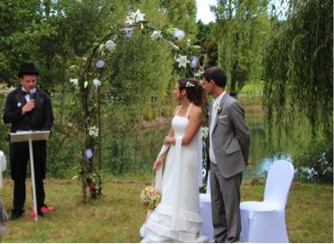 Officiant de cérémonie de notre mariage laic