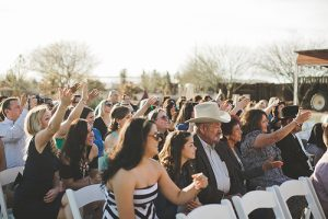 bisou-mariage-invités