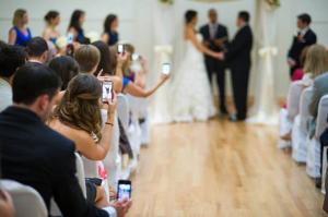 invites-etiquette-conseils-ceremonie-laique-photos