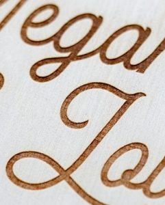 détail-gravure-boîte-vin